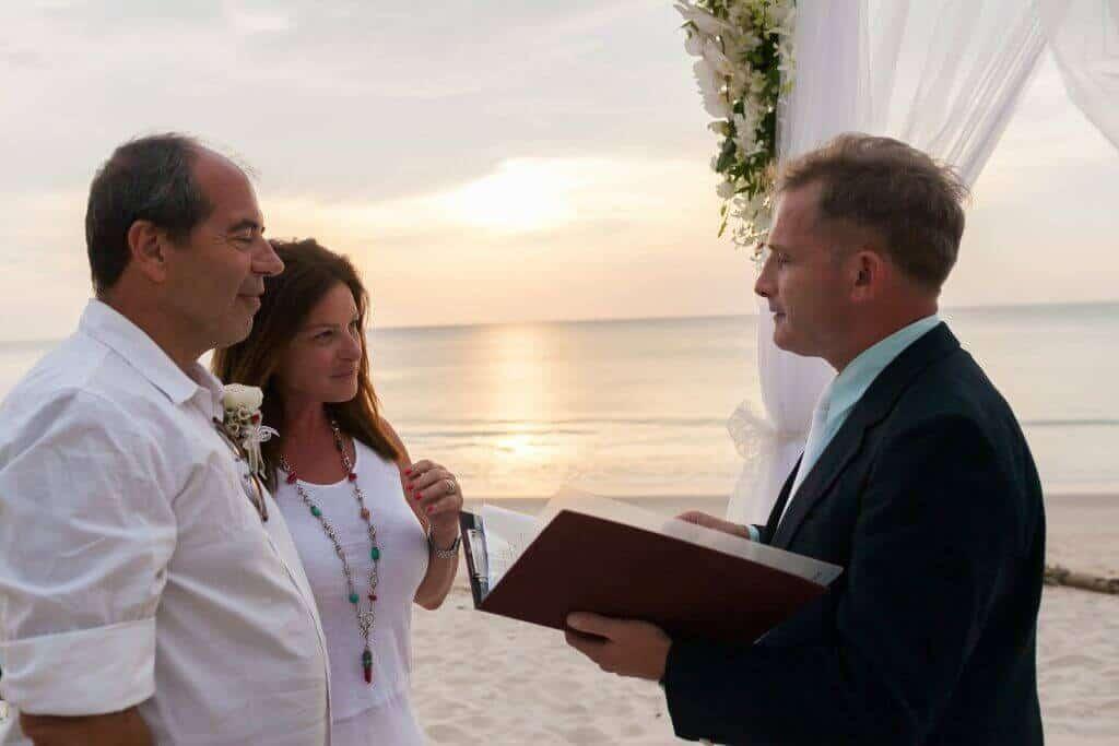 Beach marriage celebrant phuket (17)