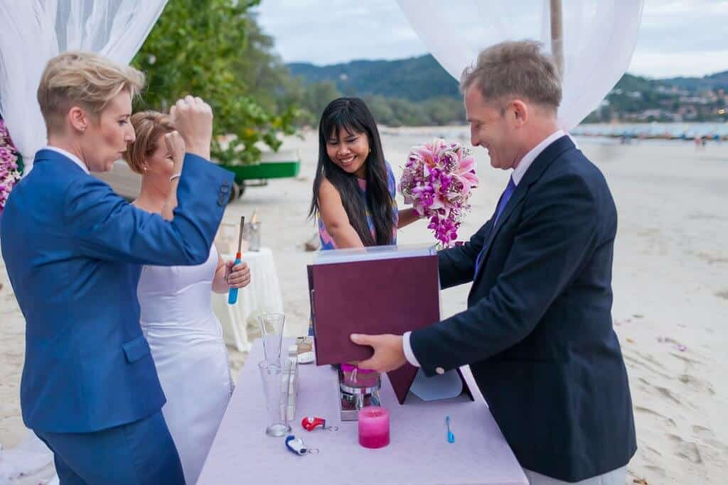 Beach wedding celebrant (16)